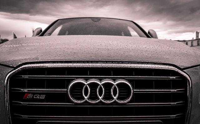 auto van de zaak of zelf kopen